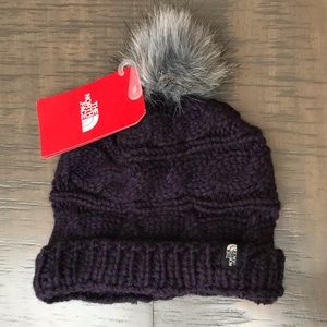 HP! 🌸The North Face beanie Pom hat